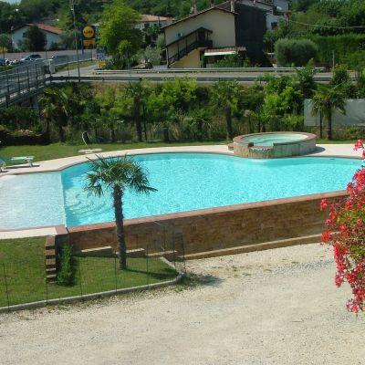 Erredue snc costruzione e ristrutturazione di piscine e - Piscine esterne ...